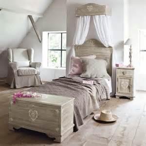 Chambre Princesse Maison Du Monde by T 234 Te De Lit Coffre Table De Chevet Camille Http Www