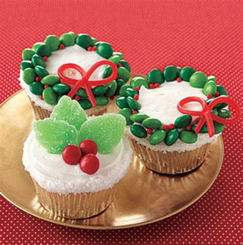 the cutest christmas cupcake ideas ever family holiday