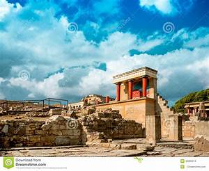The Ruins Of The Palace Of Knossos (the Labyrinth Of The ...