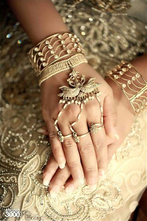 hand accessories sri lankan bride sri lankan wedding
