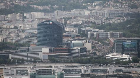 siege bouygues telecom à accorhotels songe à déménager siège en banlieue