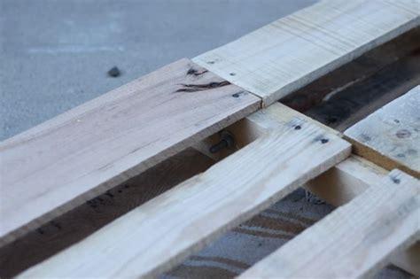 fabrication canapé palette bois fabriquer salon de jardin en palette de bois tuto canapé