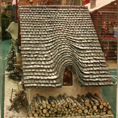 gingerbread house roof ideas gingerbread roof christmas pinterest