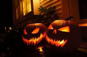 Une Citrouille Pour Halloween : transforme ta citrouille en jack o 39 lantern de halloween ~ Carolinahurricanesstore.com Idées de Décoration