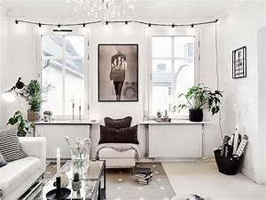 Guirlande Lumineuse Salon : home tour un appartement su dois plein de caract re au charme f minin salon noir et blanc ~ Melissatoandfro.com Idées de Décoration