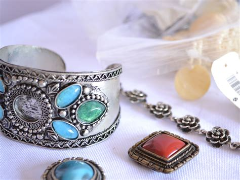 How to Sell Antique Jewelry: 10 Steps (with Pictures ...