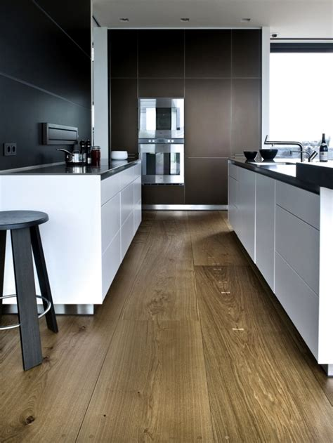 kitchen floor images the flooring is made of wood from dinesen is a hallmark of 1640