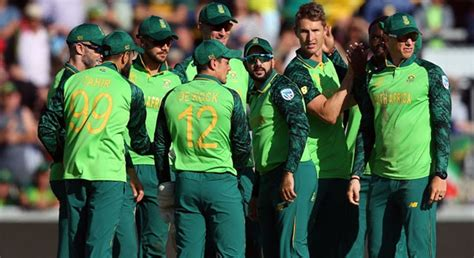 Three South Africa players isolated after one tests ...