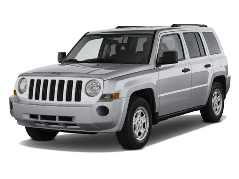 jeep commander vs patriot image 2010 jeep patriot fwd 4 door sport angular front