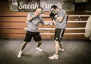 Double Left Hook - How to Box (Quick Videos) - Learn ...