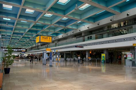 file aéroport marseille provence5 jpg wikimedia commons