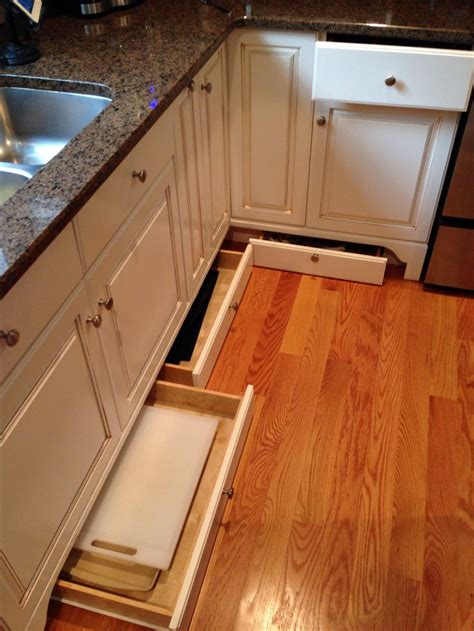 kitchen cabinet toe kick great use of space utilize the space below your 5830