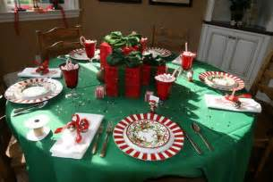 small round kitchen table christmas table decorating ideas