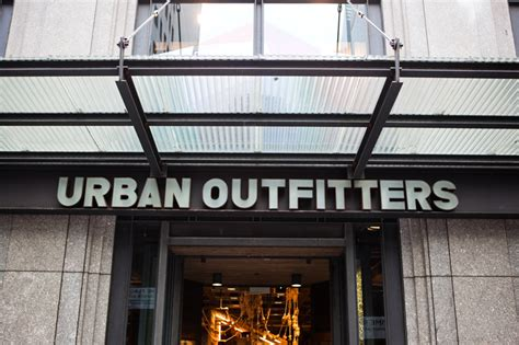 Urban Outfitters - 5th Ave NYC - Impact Storefront Designs