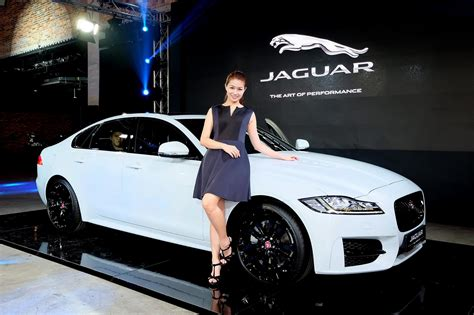 2016 Jaguar Xf India Launch In This Month Lighter And