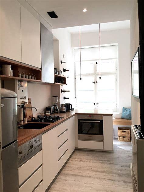 Einrichtung Kleiner Kuechekleine Kueche In Weiss 3 by K 252 Che Im Altbau In 2019 Altbau Kitchen Decor
