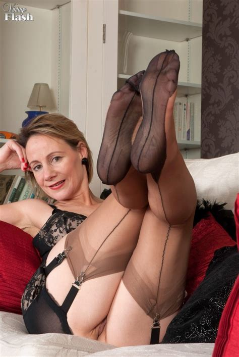 Hot Older Woman Tiffany T In Girdle And Stockings