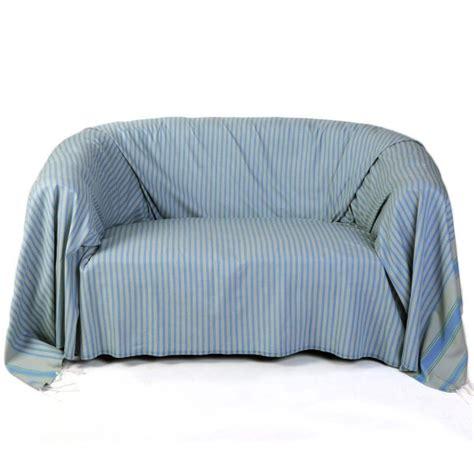 jeté de canapé gris perle jeté de canapé rectangulaire fond gris perle avec des
