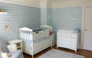 Babyzimmer In Weiß Einrichten, Aber Mit Farbe Dekorieren