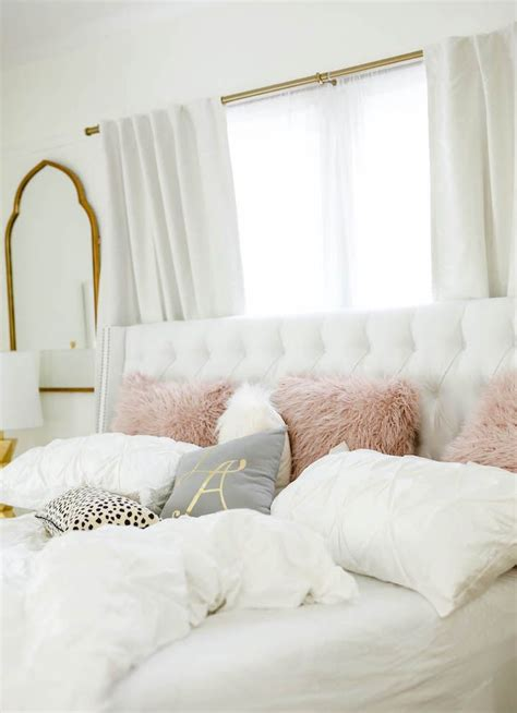 fascinating lady bedroom decor  add stylish note