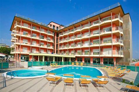 Hotel Adria Beach Club Villamarina 3 Stelle