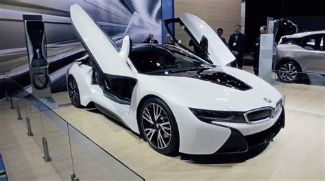 Watch The Bmw I8 Doors In Action Autoevolution