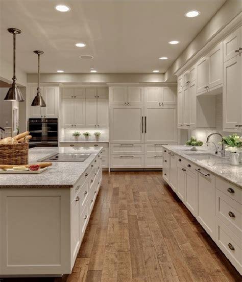 Chalk paint kitchen cabinets ? creative kitchen makeover ideas