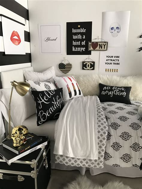 Decorating Ideas For Rooms by 8153 Best Room Trends Images On College