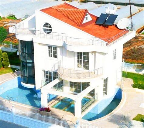 Moderne Häuser Mit Pool by Moderne H 228 User Mit Pool Modernes Haus Immobilien Lexikon