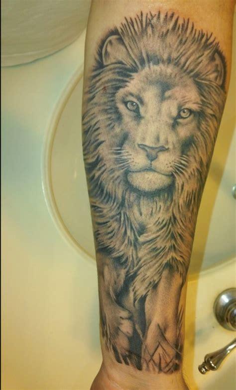 cool lion tattoo designs  men