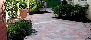 creer une jolie terrasse avec des paves en pierre With faire une terrasse en pave