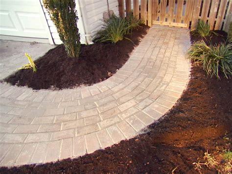 building  brick walkway  tos diy