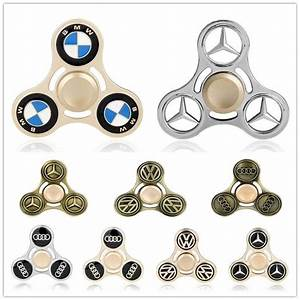 Hand Spinner Bmw : best 25 car logos ideas on pinterest emblem maker logos for cars and car brands logos ~ Medecine-chirurgie-esthetiques.com Avis de Voitures