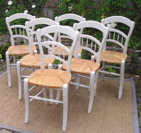 chaises paillées série de six chaises anciennes en bois peint avec un