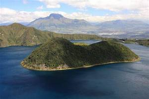 Laguna Cuicocha 2   Photos  Diagrams  U0026 Topos   Summitpost