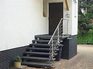 Treppenstufen Außen Beton : treppe aussen haus eingang podest naturstein granit beton stufe tritt gr nlich eingang treppe ~ Frokenaadalensverden.com Haus und Dekorationen