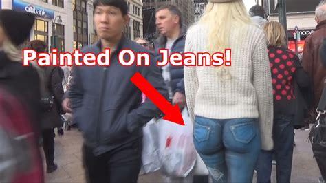 Girl Walks Around Nyc With No Pants Youtube
