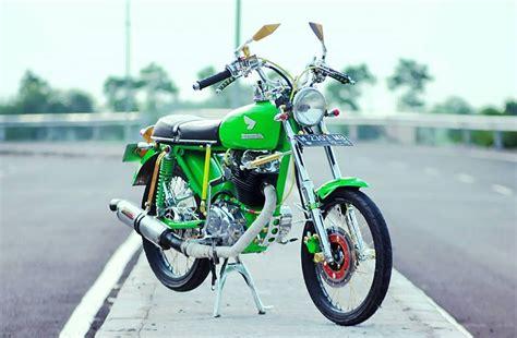 Foto Cb Modifikasi by Foto Modifikasi Honda Cb Glatik Ijo Lumut Mojoagung