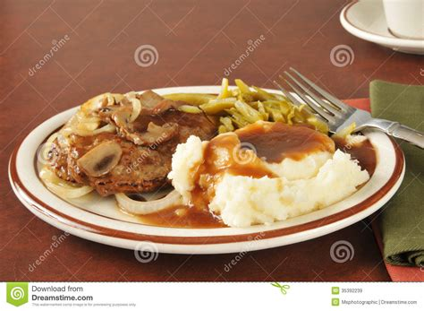 salisbury steak  mashed potatoes  gravy royalty