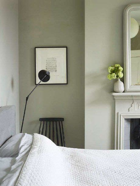 Trend Spotting: The New Hues for the Bedroom   Sage green