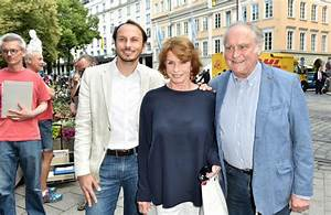 Senta Berger München : senta berger in zdf reception munich film festival 2015 ~ Lizthompson.info Haus und Dekorationen