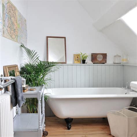 Tongue and groove panelled bathroom   housetohome.co.uk