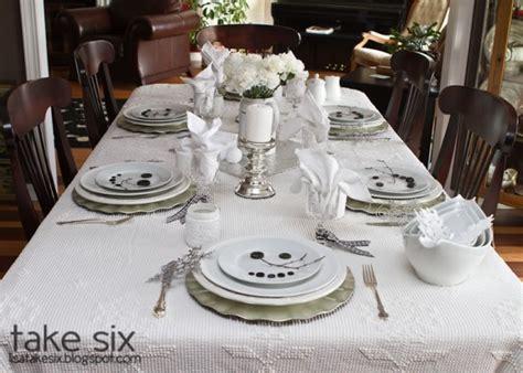 Snowman Table Decorations - winter tablescape decorating ideas