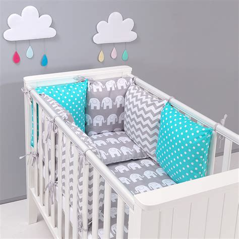 chambre bébé turquoise stunning turquoise chambre bebe photos lalawgroup us