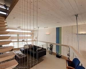 Reihenhaus Umbauen Ideen : living space sofa rug mezzanine eco friendly house in ~ Lizthompson.info Haus und Dekorationen