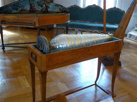 Armonica A Bicchieri by Il Museo Nazionale Degli Strumenti Musicali Ovvero L