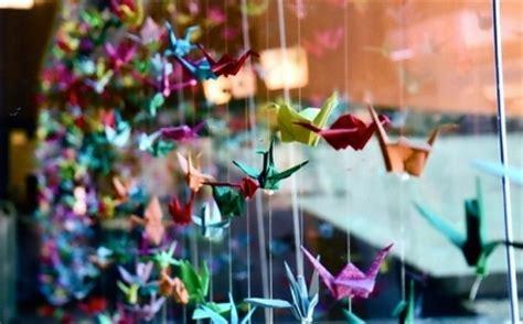 decora  grullas de papel decoracion de interiores