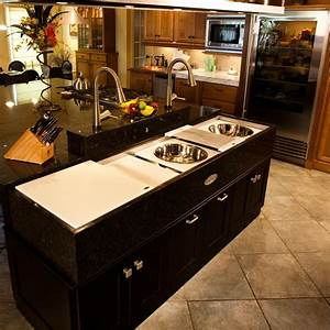 The Possibilities of Storage under Kitchen Islands with