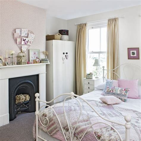 pink teenage girls bedroom  vintage furniture