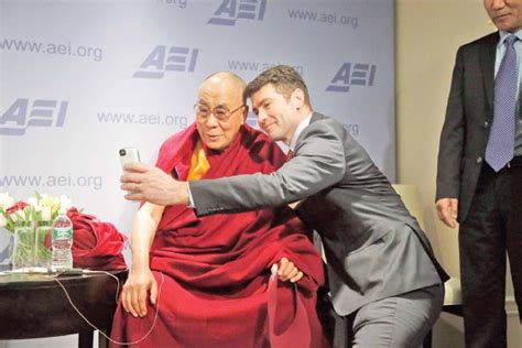 ignoring chinas protest obama hosts dalai